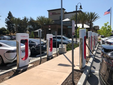 Redondo Beach supercharger - first encounter with almost all stalls being occupied